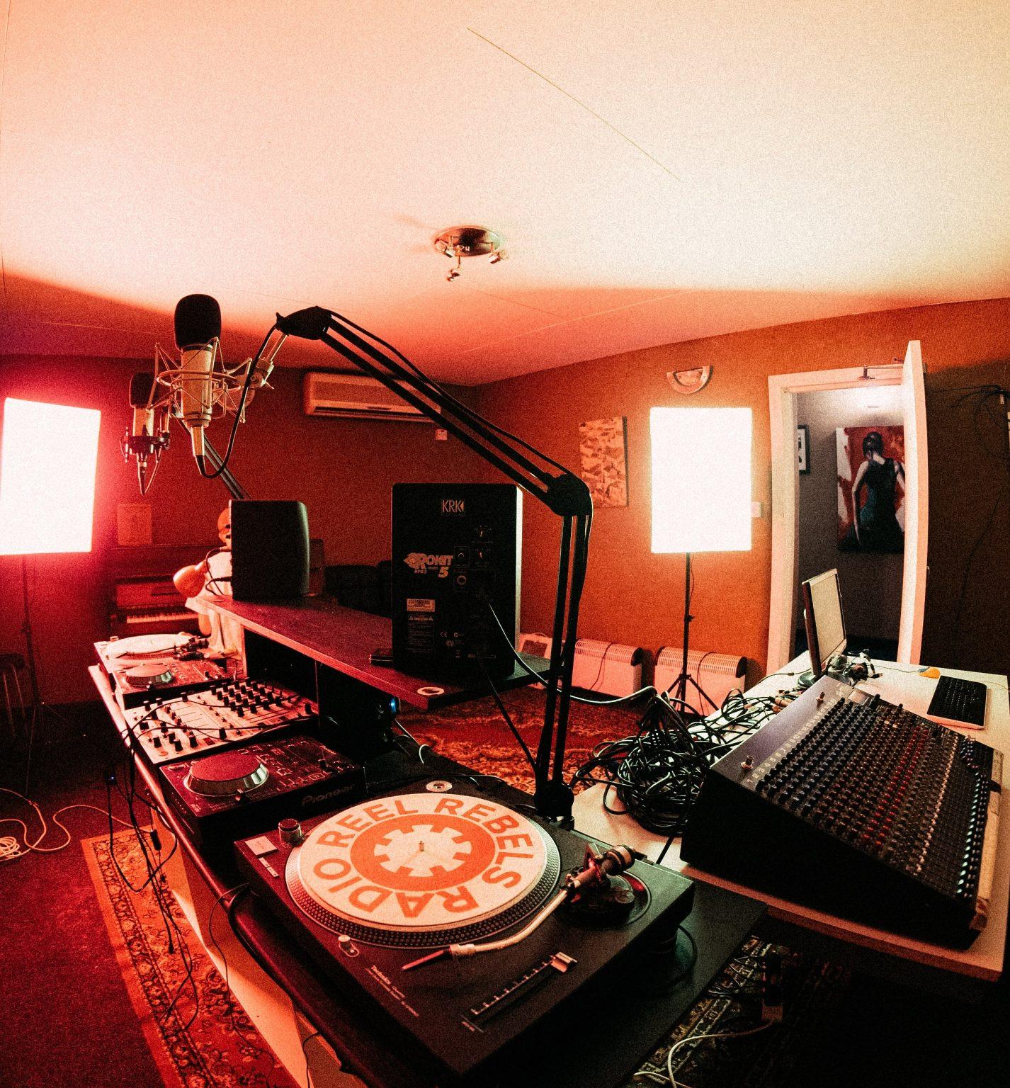 Reel Rebels Studios -12-minRRR - Edit - Square