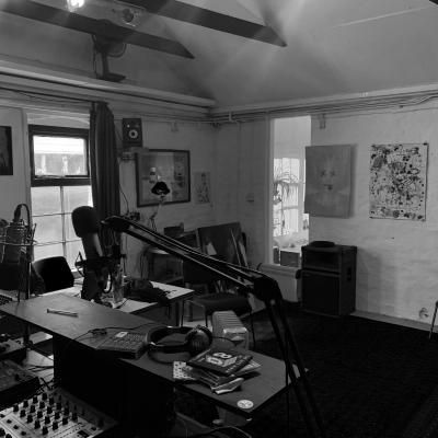 radio-room